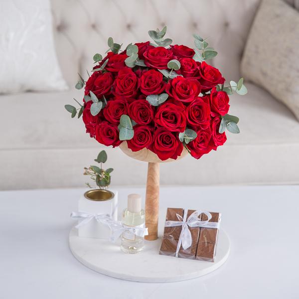 أفيري زهور مع قاعدة زهور مع قاعدة