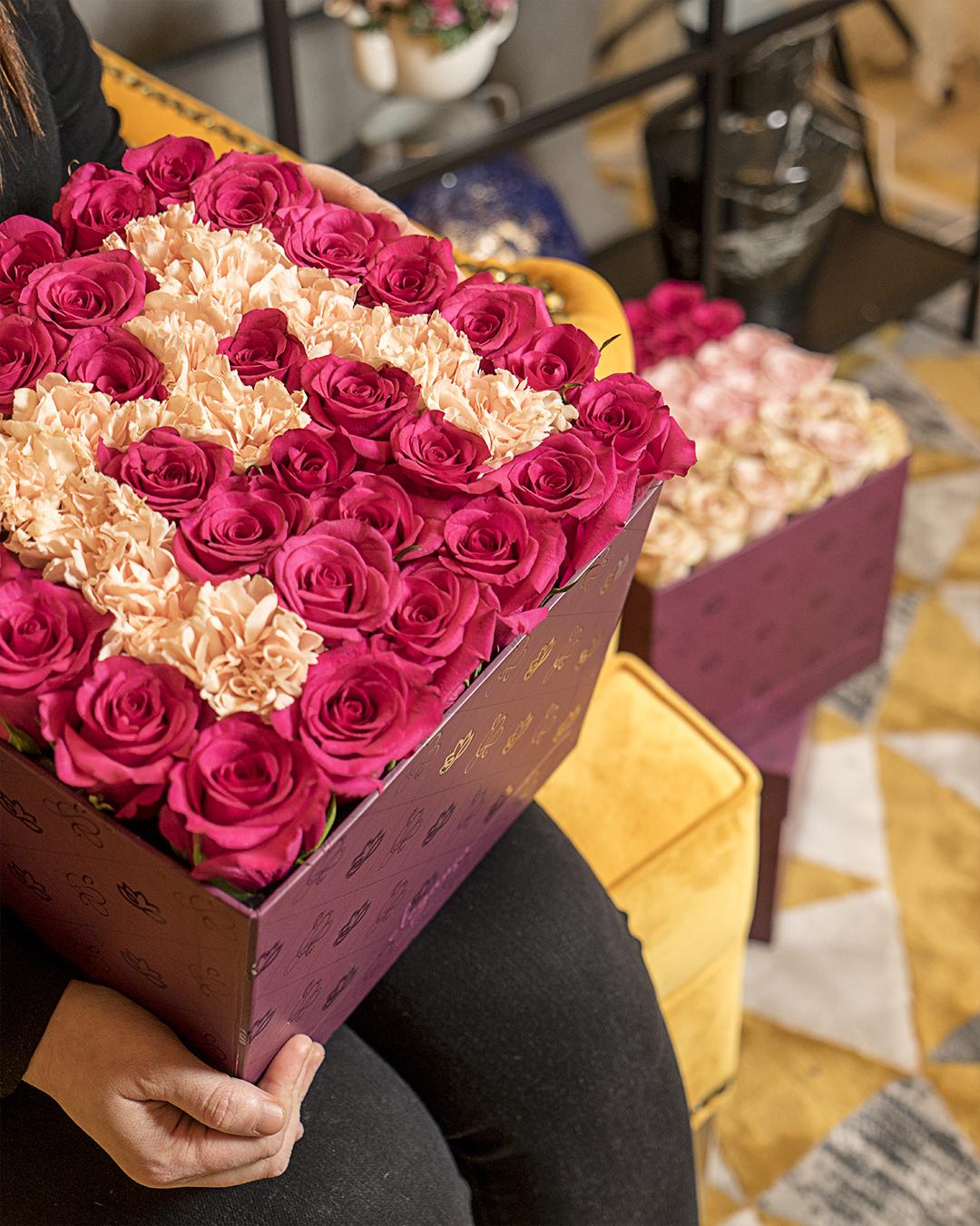 LetterBox زهور مع قاعدة زهور مع قاعدة