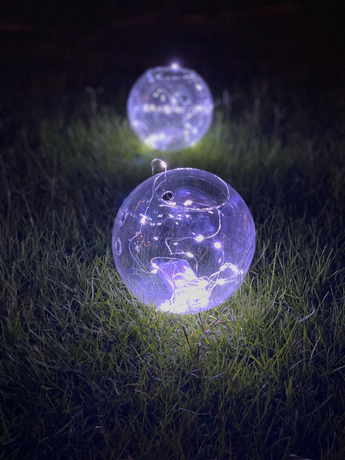 فازات زجاجية مدورة مع إضاءة - 5 فازات  'موسم الأعياد