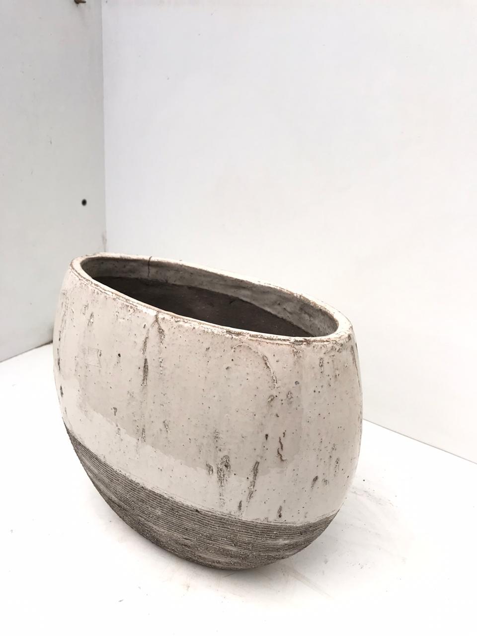 Planter Femme Ivoor Pots & Vases Ceramic Pots