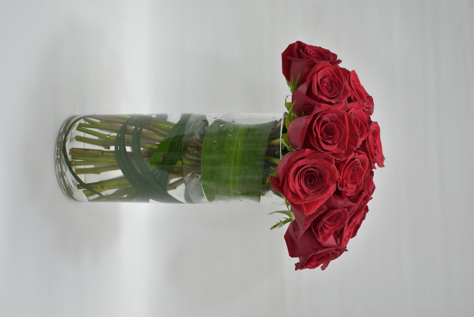 مزهرية جوري - أحمر 'زهور مع قاعدة زهور مع قاعدة