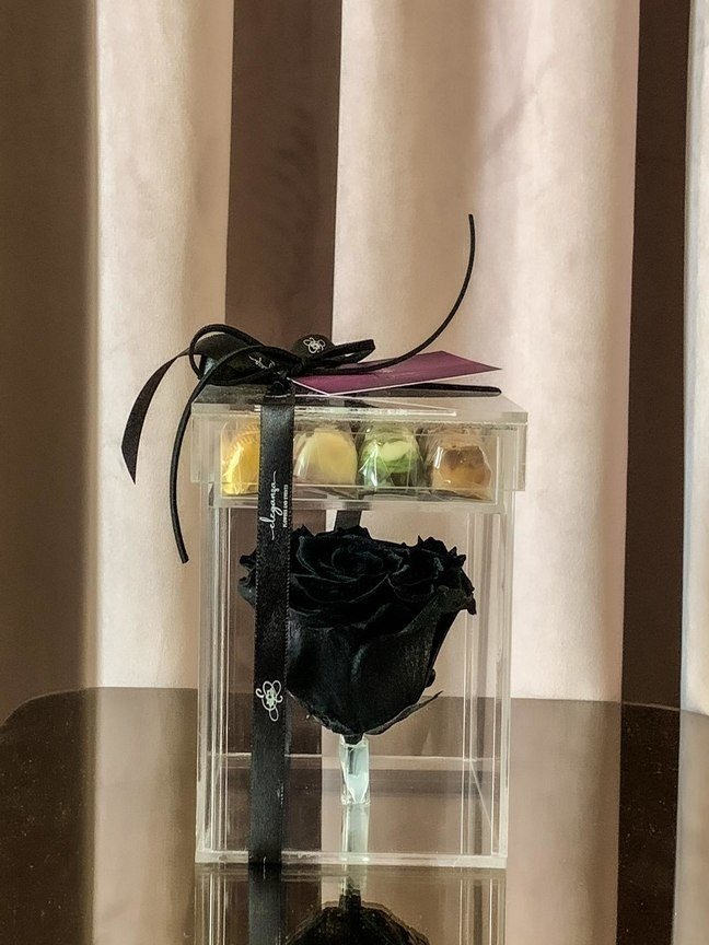 Everlasting Rose with Belgian Chocolate  Online