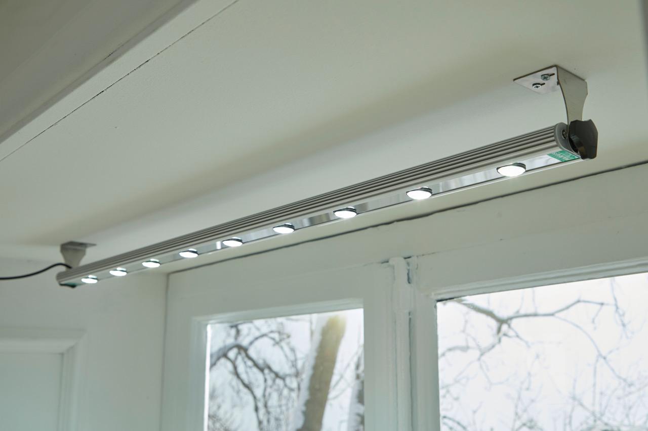 أضواء LED للسقف أو الحائط Shopping