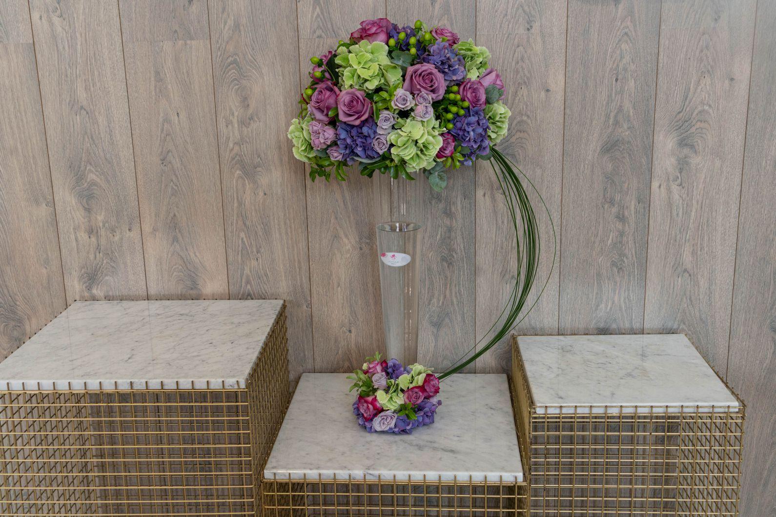 لي لي بيربليش 'زهور مع قاعدة'