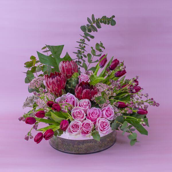 بلووم ويذ برايد 'باقة زهور'