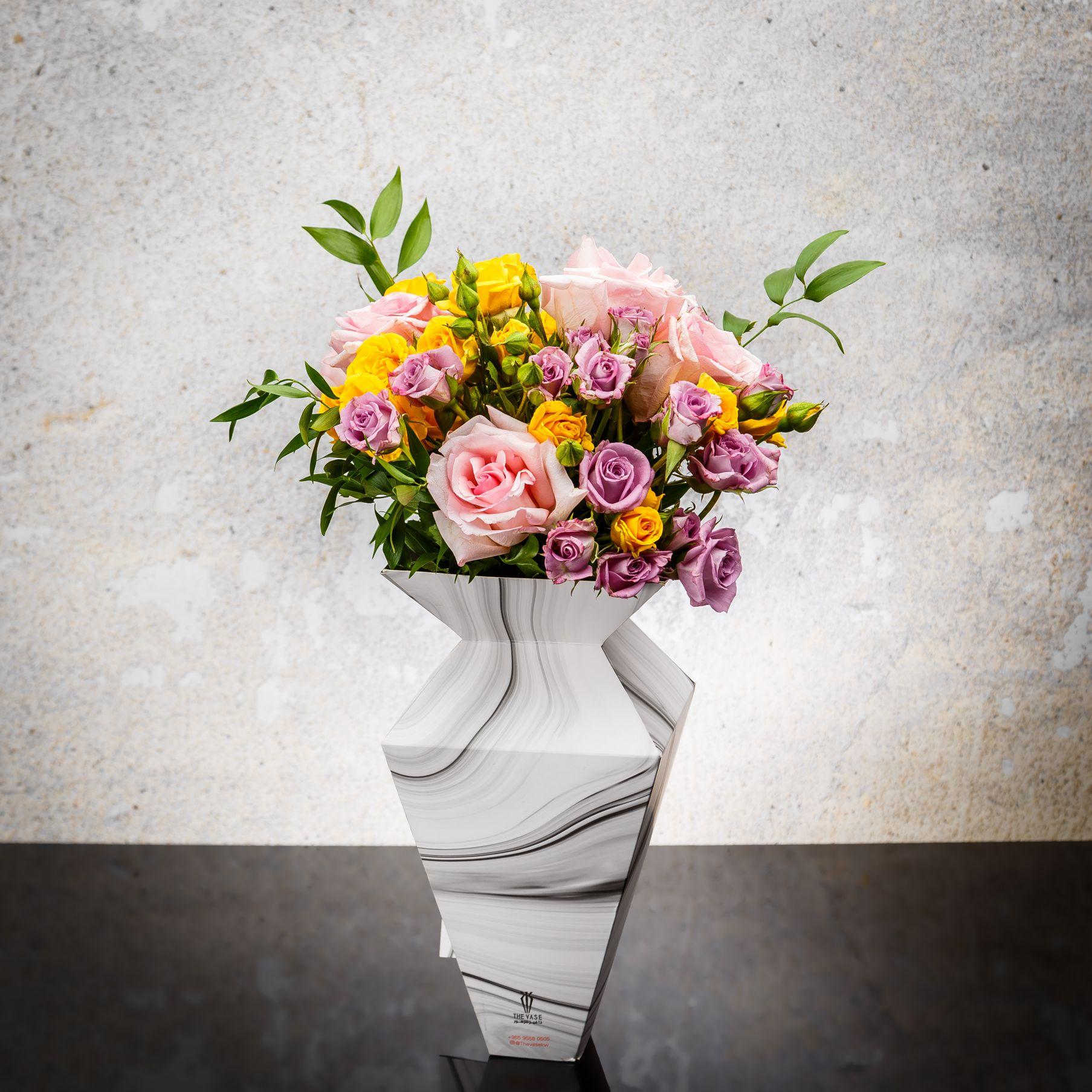 ماربل فييز 3 'زهور مع قاعدة'