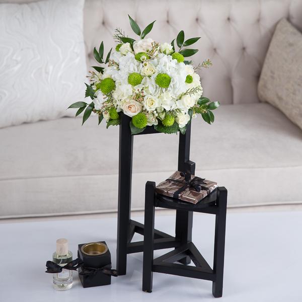 أميليا زهور مع قاعدة
