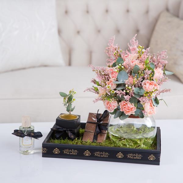 مادلين 'زهور مع قاعدة'