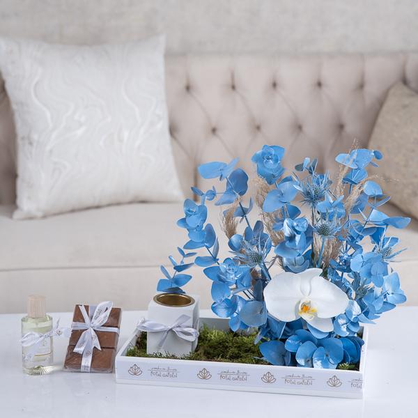 هيلي زهور مع قاعدة
