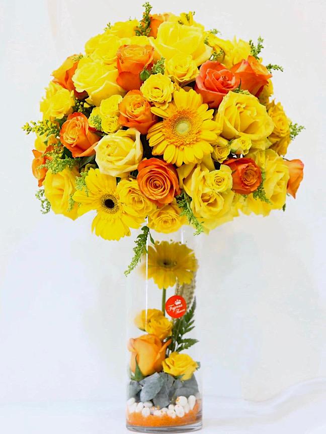 غيرة 'زهور مع قاعدة'