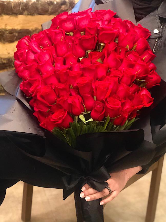 خورافي 'الحب الأحمر'