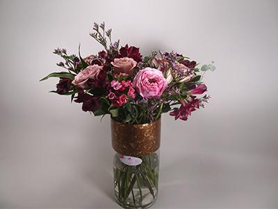 جاردن دي روز البرونزية باقة زهور