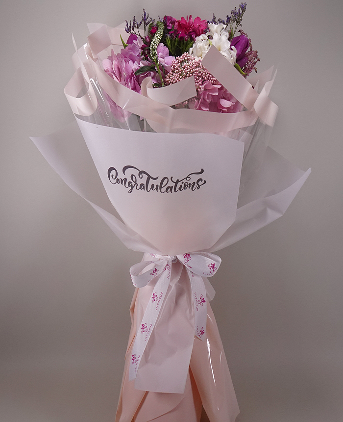 Specail hand bouquet  ( Customised Writing) Bouquets