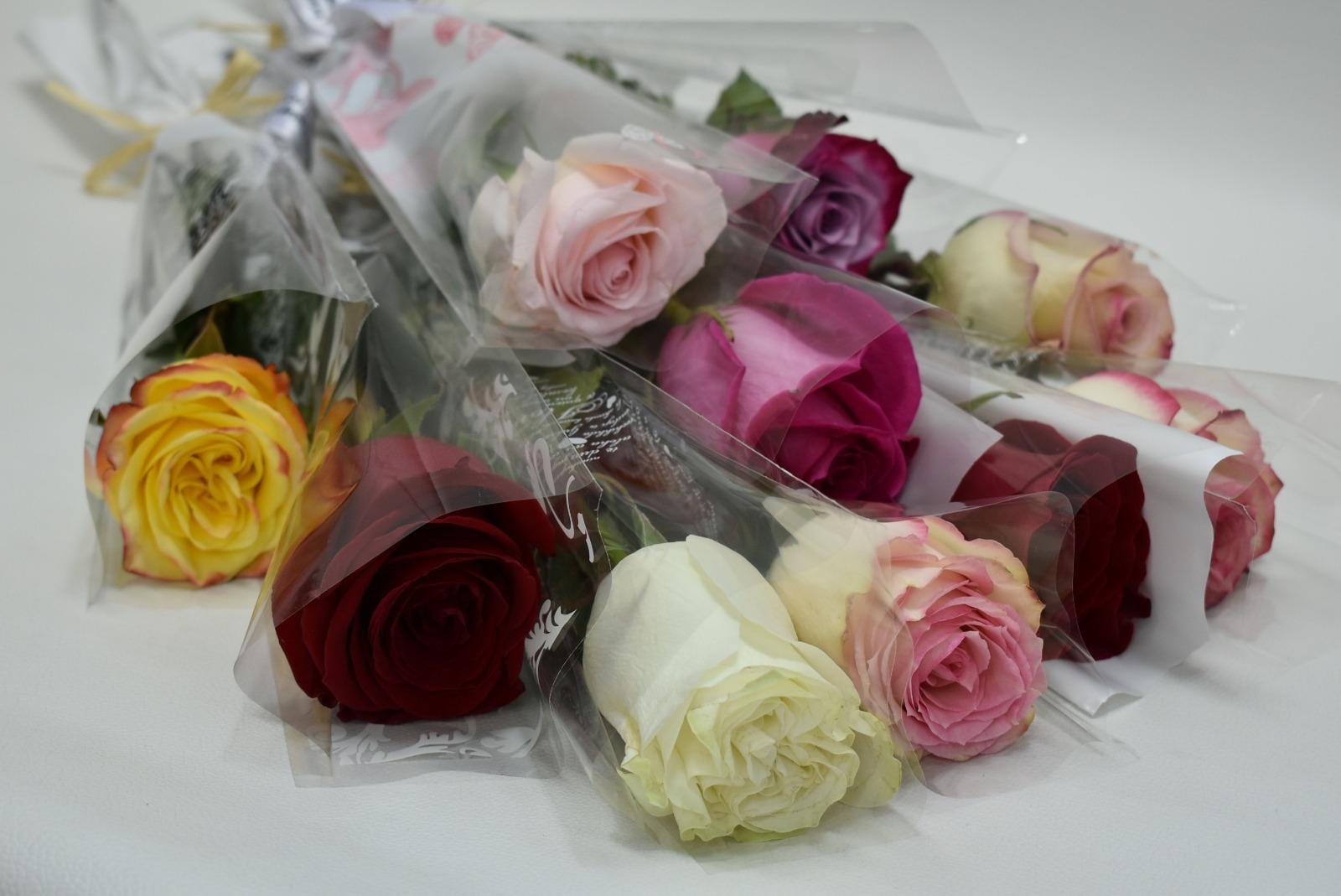 مجموعة من الورد المنوع 'باقة زهور'