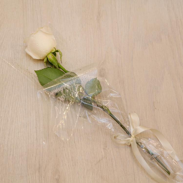 سينجل روز باقة زهور