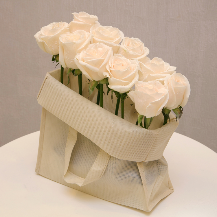 وايت باج  'زهور مع قاعدة'