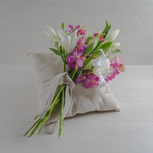 Lilies Pillow  'Bouquets'