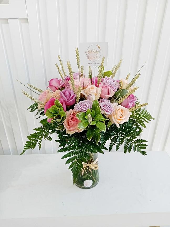 مزهرية ورد  'زهور مع قاعدة'