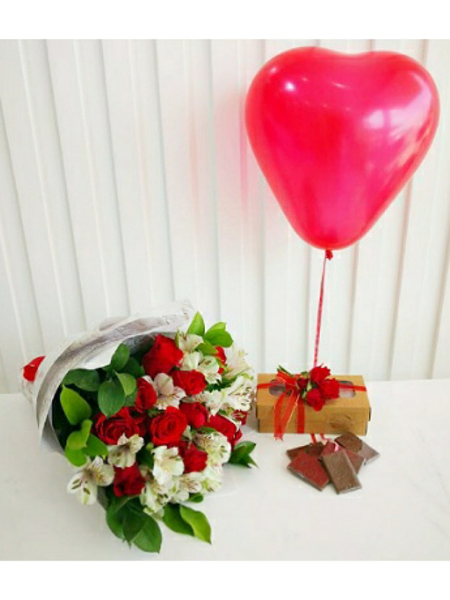 Bouquet with chocolate and ballon Combo Pack