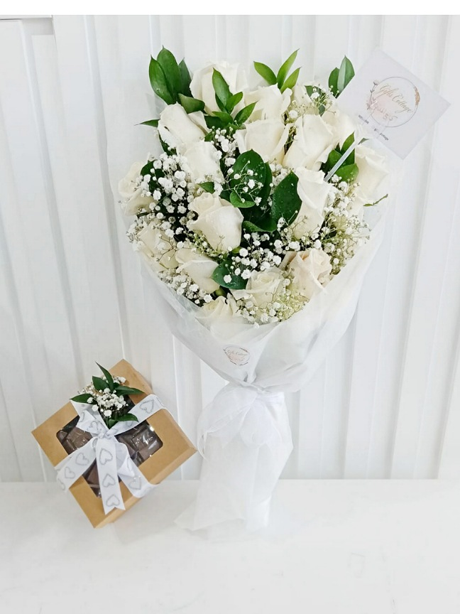 White Bouquet With Chocolate 'Combo Pack'