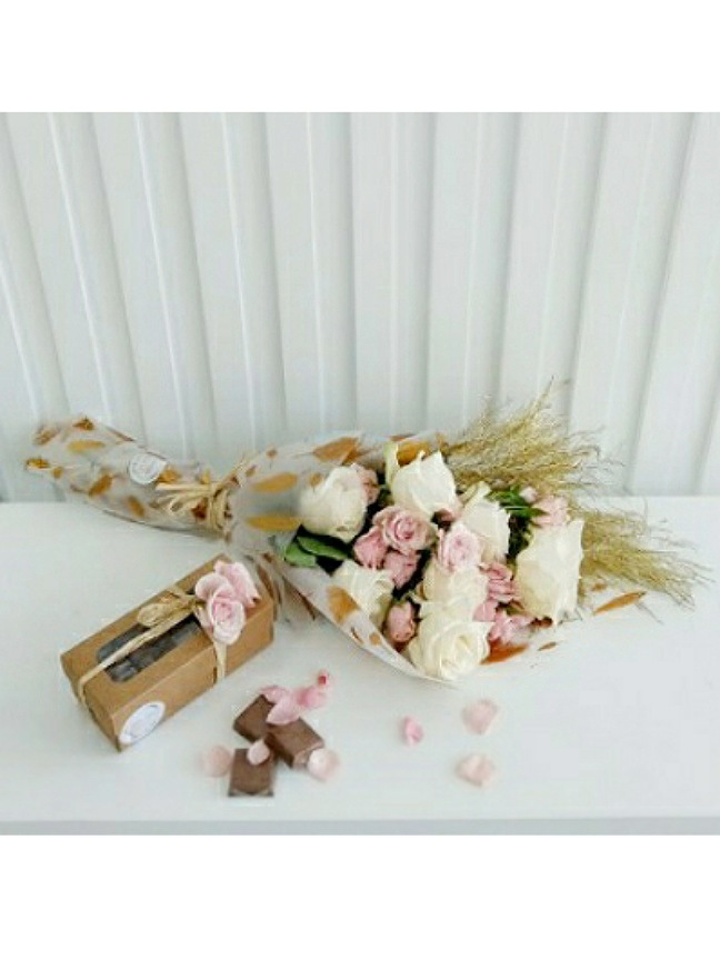 Bouquet With Chocolate 'Combo Pack'