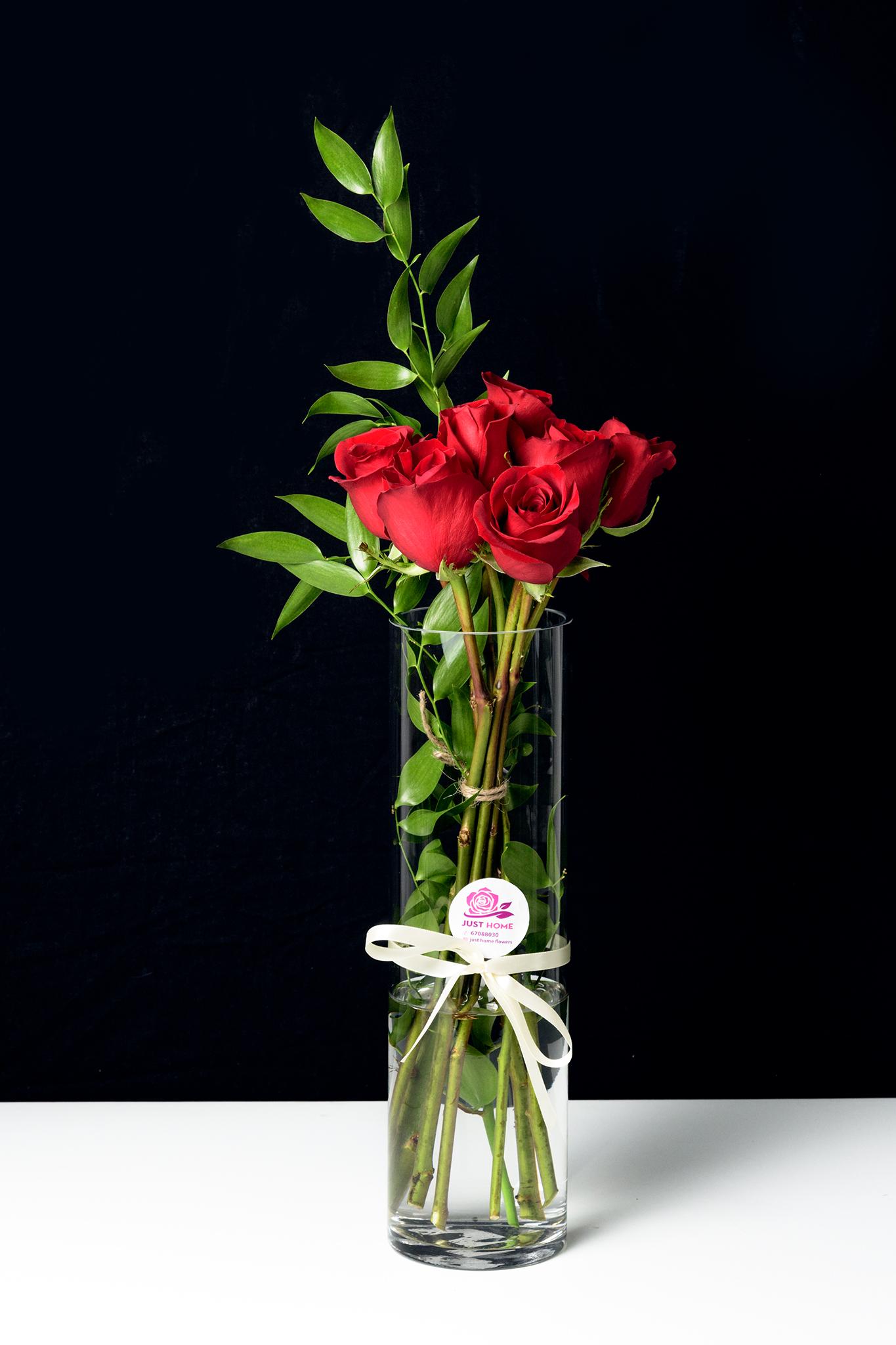 لك وحدك 'زهور مع قاعدة'