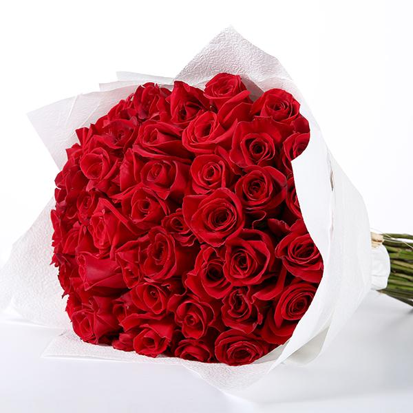 بوكيه يوم المرأة العالمي - ٥٠ جوري أحمر 'الحب الأحمر'