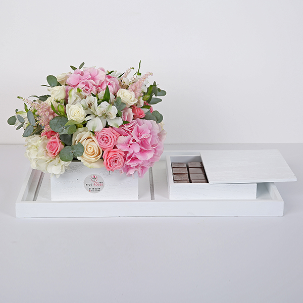 Flowers In A Box - White 'Bouquets'