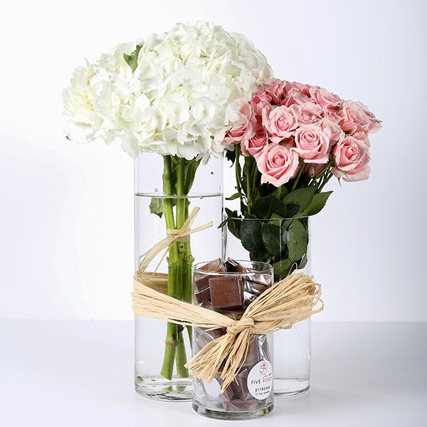 فازات ورد وشوكولاتة - 3 قطع 'باقة زهور'
