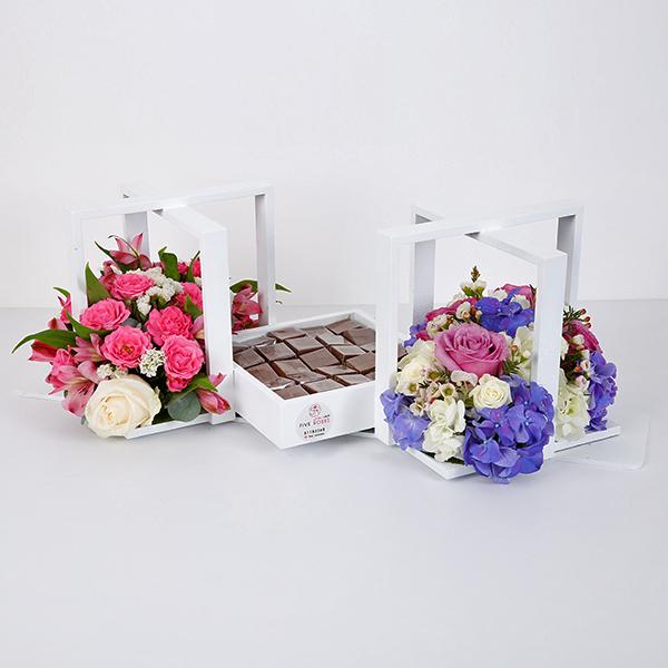 صينية ورد وشوكولاتة - أبيض 'باقة زهور'