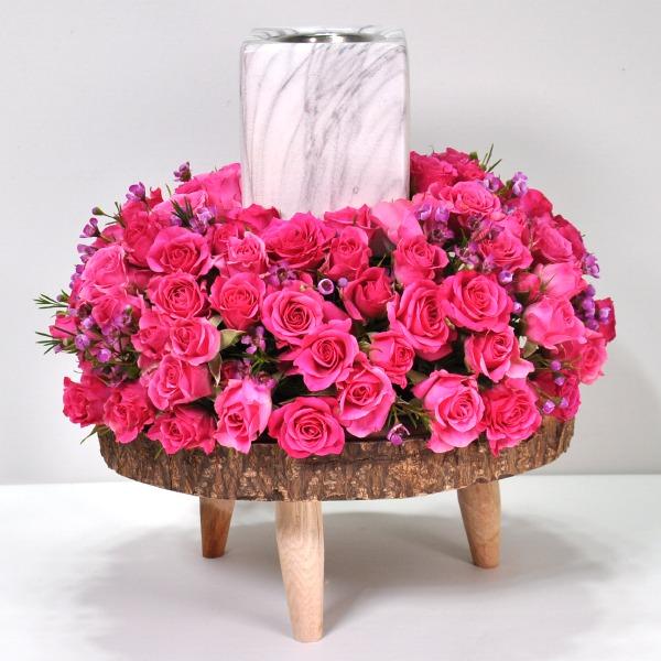 الحديقة الوردية 'زهور مع قاعدة'