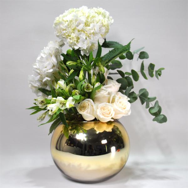 هيدرا الذهبي 'زهور مع قاعدة'
