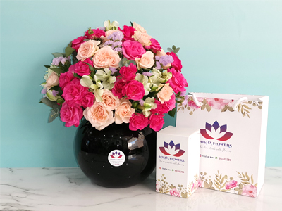 Black Vase 3 Mother's day