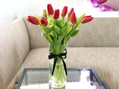 Tulip Vase 1 Flower with Base