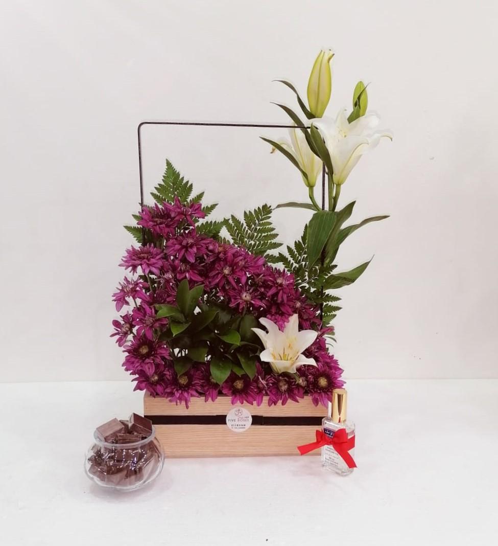 الستاند الخشبي 2 زهور مع قاعدة