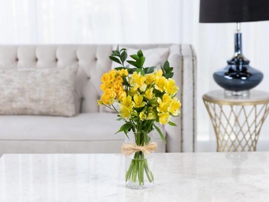 بييرسي زهور مع قاعدة